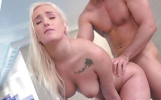Impressive blonde Daisy Lee enjoying rough sex